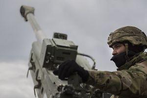 Cận cảnh quân đội Mỹ bắn pháo hạng nặng hàng loạt ở châu Âu