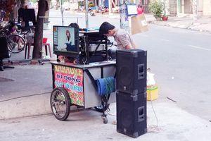 Karaoke xóm, màn 'tra tấn' nhiều người khóc ròng: Sao cứ nể tình làng nghĩa xóm?