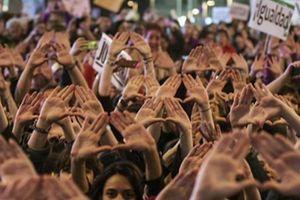 Đường sắt Tây Ban Nha 'thất thủ' vì biểu tình đòi quyền phụ nữ