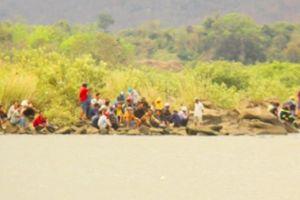 Vụ 3 học sinh mất tích trên sông Ba: Giăng lưới, xả nước 'đón lõng'