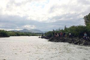 Đi tắm sông, 3 học sinh mất tích