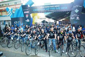 Hàng nghìn người đạp xe ở Sài Gòn khởi động 'Giờ Trái đất'