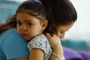 Khoa học chứng minh: Mẹ ôm con càng nhiều sẽ giúp trí não con phát triển, thông minh hơn