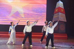 Anh Thơ, Đăng Dương... dạt dào cảm xúc tại đêm nhạc 'Xuân Trường Sa'