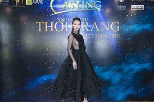 Liên Phương khoe vẻ đẹp gợi cảm khi làm giám khảo Người mẫu thời trang Việt Nam