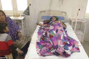 Xót thương người phụ nữ bị chồng tạt axit khi đang ngủ chỉ vì sinh con gái