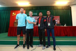 Thủ môn U.23 Việt Nam Bùi Tiến Dũng trở lại AFC Cup