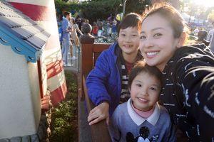 Sang Mỹ thăm Bảo Nam, vợ chồng Jennifer Phạm đưa các con đi Disneyland