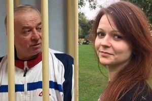 Ai đứng sau vụ đầu độc cha con cựu điệp viên Nga?