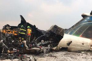 Gần 50 người chết trong vụ máy bay bốc cháy ở Nepal