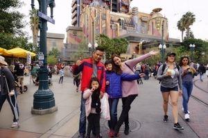 Tại Mỹ, Jennifer Phạm cùng chồng tranh thủ đưa con trai Bảo Nam đi chơi