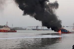 Tàu Hải Hà 18 bốc cháy do sự cố kẹt máy bơm xăng