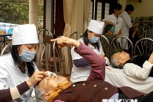 Nhiều bệnh nhân glôcôm đến điều trị trong tình trạng muộn