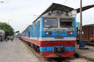 Nhân viên đường sắt trả lại tài sản trị giá 30 triệu đồng cho hành khách nước ngoài