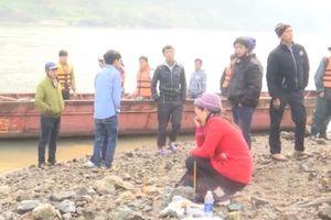 Thông tin mới nhất vụ chìm thuyền khiến 5 cửu vạn tử vong và 4 người mất tích