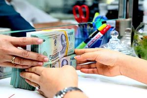 Dòng tiền nhàn rỗi đổ về ngân hàng
