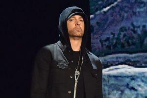 'Thánh rap' Eminem lại đem đến những ca từ gây sốc trong màn trình diễn