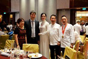 'Yan Can Yook' trở lại Việt Nam tham dự 'Đêm nhân ái' cùng Đỗ Mỹ Linh