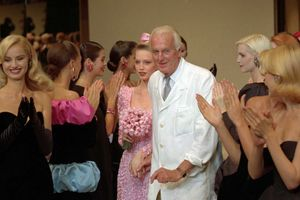 Huyền thoại thời trang Hubert de Givenchy qua đời ở tuổi 91