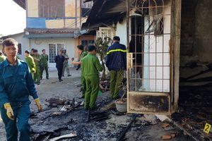 '5 người chết cháy ở khu biệt thự cổ': Camera ghi cảnh hàng xóm mang xăng, khò lửa vào nhà nạn nhân