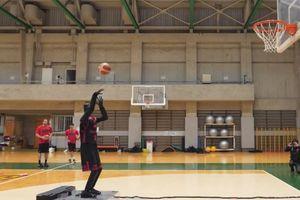 Robot ném bóng rổ 'bách phát bách trúng' ở Nhật Bản