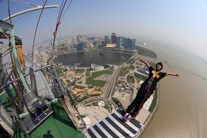 Điểm nhảy bungee đáng sợ nhất thế giới ở Trung Quốc