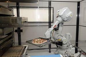 Robot bị chủ nhà hàng 'sa thải' chỉ vì nướng thịt... quá nhanh