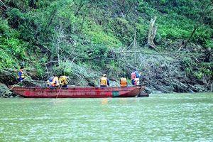 Tìm thấy 9 thi thể công nhân đuối nước trên sông Hồng