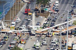 Mỹ: Cầu vượt mới xây đổ sập đè chết 4 người ở Floria