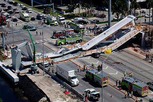Mỹ: Sập cầu đi bộ ở bang Florida làm ít nhất 4 người thiệt mạng