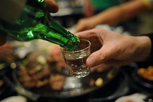Uống rượu bị ngộ độc, 3 người tử vong