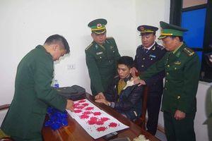 Bắt đối tượng vận chuyển hơn 3.000 viên ma túy từ Lào về Việt Nam