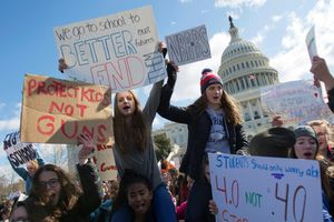 Phong trào học sinh phản đối bạo lực súng đạn lan rộng ở Mỹ