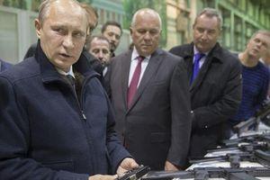 Ông Putin từng phải mang súng khi ngủ