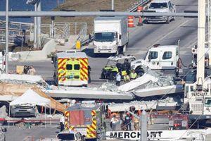 Sập cầu bộ hành ở Mỹ, 4 người chết