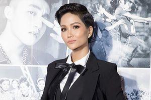 Phong cách ngày càng nam tính của hoa hậu H'Hen Niê