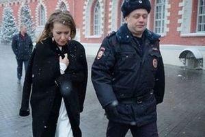Sự 'hụt hơi' của nữ ứng viên Tổng thống Ksenia Sobchak