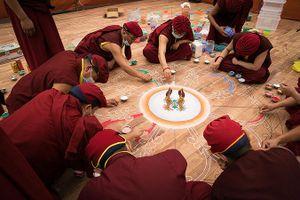 Thưởng lãm tranh Phật ngọc lớn nhất Việt Nam