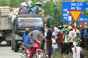 Hà Tĩnh: Khốn khổ vì bãi rác ô nhiễm, dân ra đường chặn xe chở rác