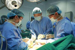 Kỳ tích y học và ca ghép tạng xuyên Việt