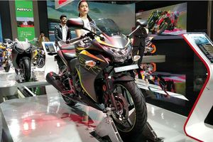 Honda CBR250R 2018 có giá từ 57 triệu đồng tại Ấn Độ