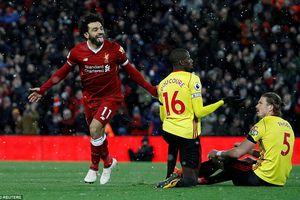 Salah lập poker, Liverpool hủy diệt Watford để bám sát MU