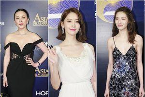 Không cần khoe vòng 1 căn đầy, Yoona (SNSD) vẫn lấn át mỹ nhân Cbiz bằng vẻ đẹp nữ thần