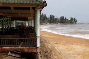 Đê chắn cát 12 tỷ đồng phá 'Nữ hoàng của các bãi tắm Việt Nam'