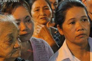 Nghẹn ngào giây phút đưa linh cữu nguyên Thủ tướng Phan Văn Khải