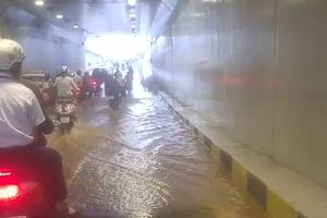 Đà Nẵng: Hầm chui hơn trăm tỷ đồng mới thông xe bất ngờ ngập nặng