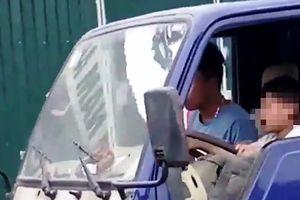 Tài xế cho bé 10 tuổi lái xe bị phạt 8 triệu đồng