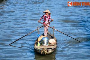 Điều gì khiến khách Tây mê mẩn khi du lịch vùng sông nước Nam Bộ?