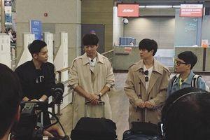 'Ngộ Không' Lee Seung Gi và dàn cast 'Master In The House' đã có mặt tại Việt Nam, sẵn sàng diện kiến HLV Park Hang Seo
