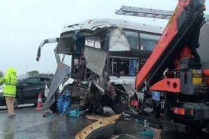 Vụ xe cứu hỏa va chạm xe khách: Một chiến sỹ đã hy sinh